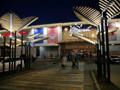 Оформление Торговых Центров к новому году. Новогоднее оформление ТЦ: дорогое удовольствие или обязанность?