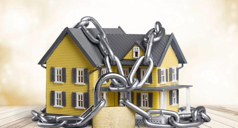 Арест недвижимости: регистрация приостановлена. Росреестр разъясняет.