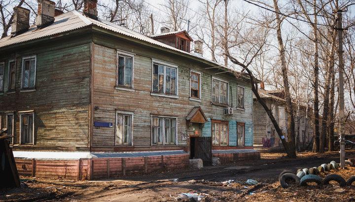 В этом году в Хабаровске станет еще на 8 бараков меньше. В благоустроенные квартиры переедут 189 хабаровчан.