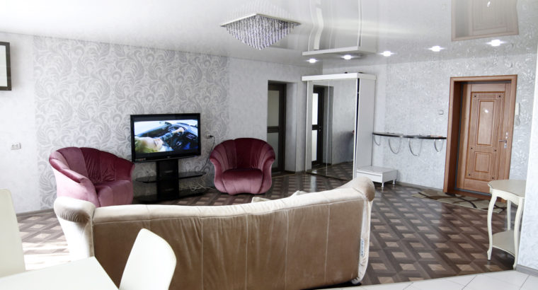 Сдается двухкомнатная квартира студия в Хабаровске