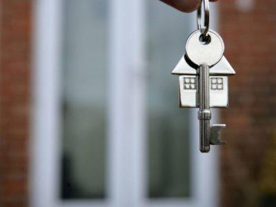 Более сорока представителей риэлтерских компаний Хабаровска и собственников жилья, желающих реализовать его мэрии, встретились в городской администрации  в минувшую пятницу.