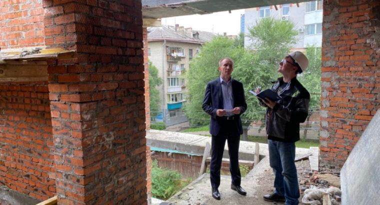 К оценке проблемных долгостроев Хабаровска приступил Федеральный Фонд защиты прав дольщиков.