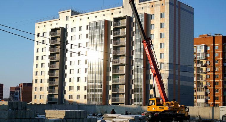 В этом году планируем сдать 240 тысяч квадратных метров жилья. Глава краевой столицы проинспектировал ход строительства новых жилых кварталов в двух районах города.
