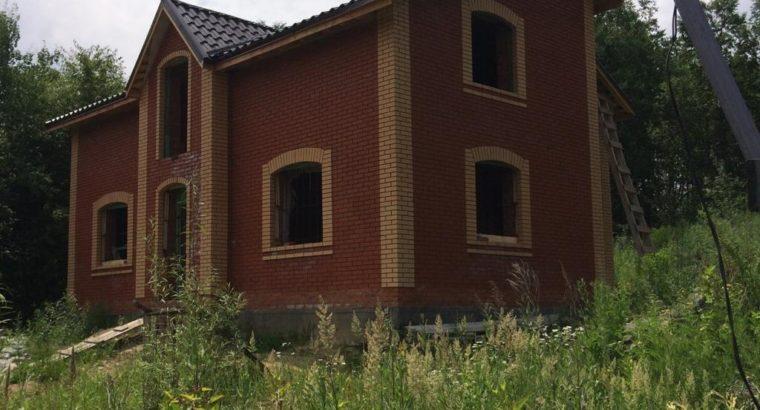 Продается 2-этажный кирпичный дом на Земельном участке 15 сот!