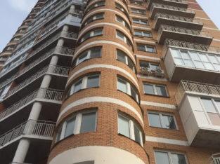 Продам трехкомнатную квартиру на Казачьей горе