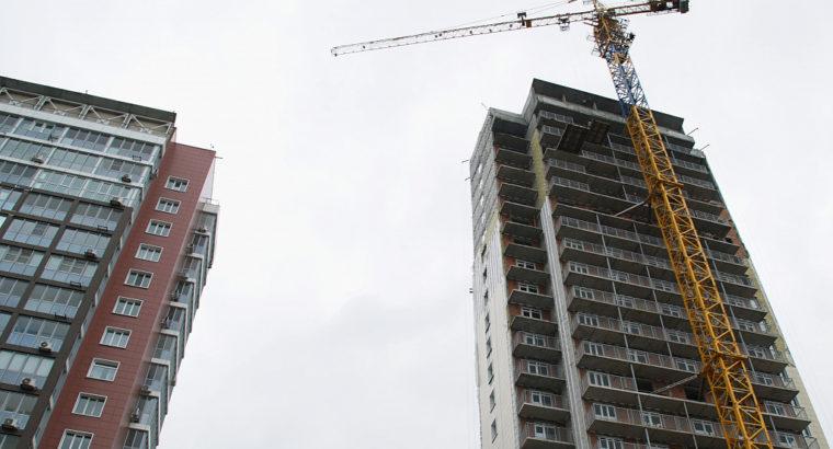 Проблемный долгострой в Краснофлотском районе Хабаровска сдадут осенью этого года.