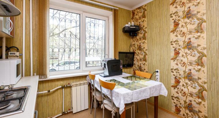 Продам отличную трехкомнатную квартиру по ул. Вяземская, 20