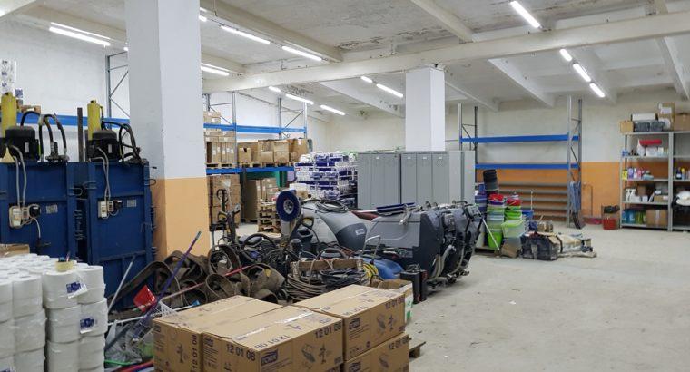 Продам базу с теплыми складами и офисным зданием ост. МЖК