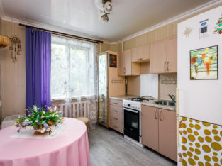 Продается трехкомнатная квартира по ул. Железнякова, д. 15