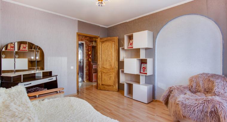 Продам двухкомнатную квартиру в Хабаровске