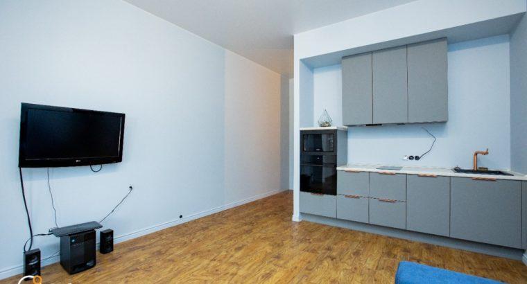 Продается 2-комнатная квартира в центре Хабаровска Владивостокская 38а.