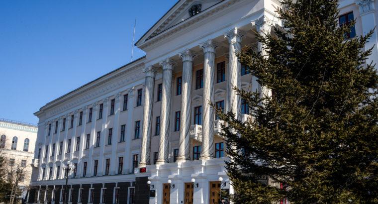 Администрация Хабаровска планирует приобрести в августе 18 квартир для расселения граждан из ветхих домов.