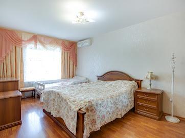 Продам 3х комнатную квартиру в центре